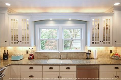 light for the kitchen i really like this kitchen cabinet styles not glass 6984