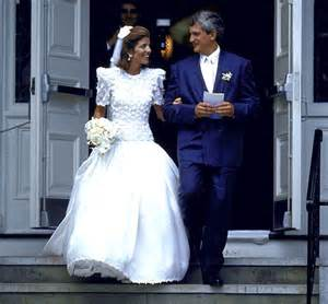 caroline kennedy wedding dress wedding photos