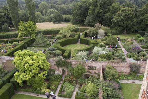 Garden :  Sissinghurst Castle Garden