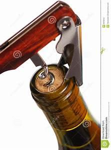 Customiser Une Bouteille De Vin : ouverture d 39 une bouteille de vin photographie stock ~ Zukunftsfamilie.com Idées de Décoration