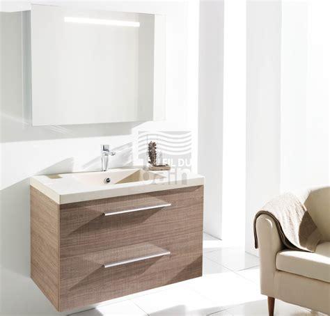 meubles de salle de bains suspendus simple vasque avec plan en beton de synthese ambiance bain