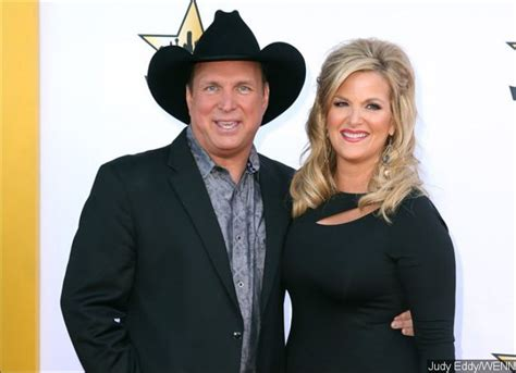 trisha yearwoods husband trisha yearwood dresses up as husband garth brooks ahead of halloween