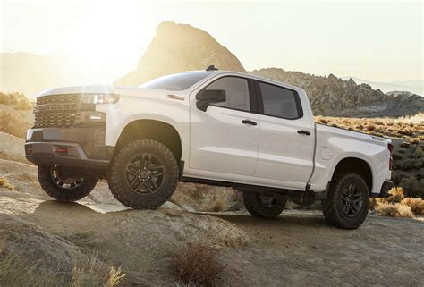 New, 2019 Chevy Silverado Debuts With Diesel Engine, 450