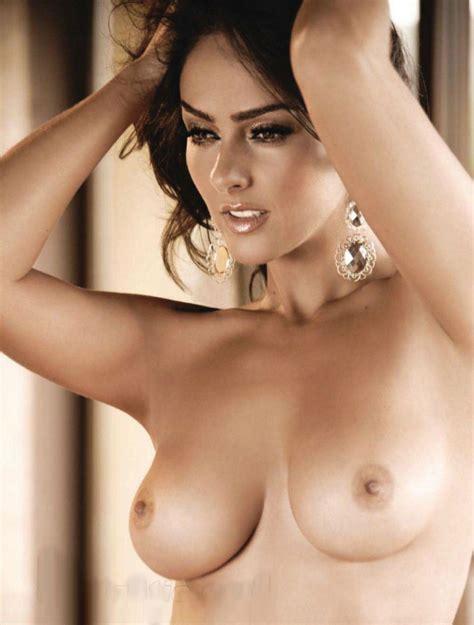 Telenovela Star Andrea Garcia Goes Full Frontal Naked