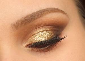 Maquillage De Fête : je sors les paillettes pour un maquillage de f te classique marron et dor on aime le maquillage ~ Melissatoandfro.com Idées de Décoration