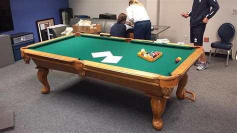 how to refelt a pool table how to refelt a slate pool table brokeasshome com