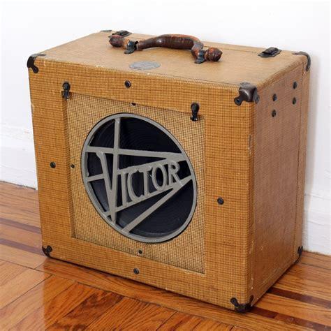 antique vintage tweed victor speaker cabinet s and pedals speakers