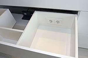 Steckdosen Badezimmer Waschbecken : badezimmerlampen mit steckdose ~ Lizthompson.info Haus und Dekorationen