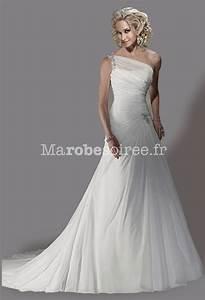 robe de mariee une bretelle decollete moderne en mousseline With ajouter des bretelles à une robe bustier