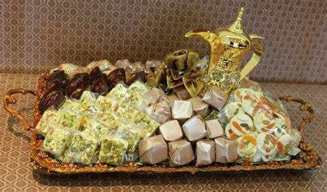 chocolate  sweets tray ideas   house basket