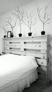 Grünpflanzen Im Schlafzimmer : bett aus paletten m bel m bel aus paletten im selbstbau m bel schlafzimmer und m bel aus ~ Watch28wear.com Haus und Dekorationen