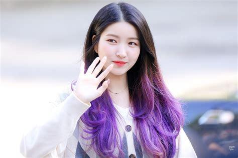 konsisten  rambut panjang hairstyle  sowon