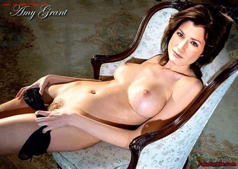 Amy Grant  nackt