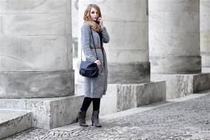 Grau Und Braun Kombinieren Möbel : braun und grau kombinieren outfit mit strickmantel bezaubernde nana ~ Frokenaadalensverden.com Haus und Dekorationen
