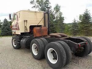 International Transtar Ii  1977    Sleeper Semi Trucks