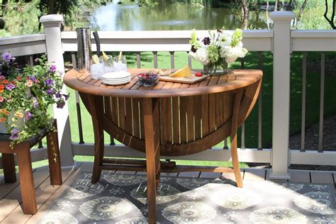 outdoor interiors    folding table patio table
