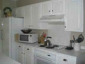 safety level and kitchen cabinet hardware placement