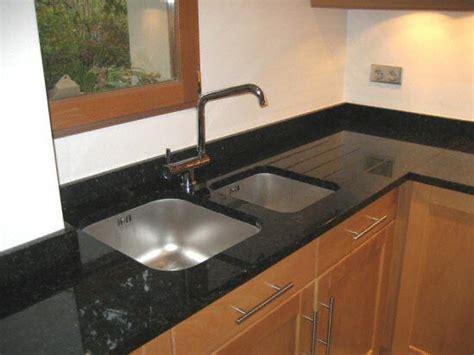 evier de cuisine en cuisine zone d 39 vier de cuisine moderne fonce en granit