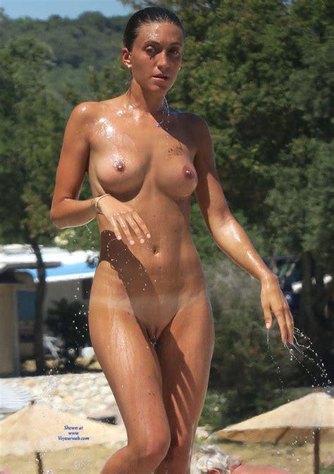 Nude Beach Shower 1 September 2016 Voyeur Web