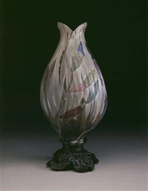 émile gallé 1846 1904 table œuvre bouton d 39 iris musées royaux des beaux arts de