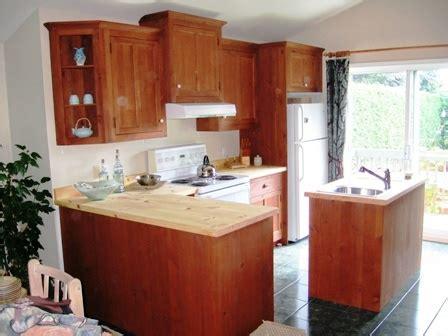 cuisine en pin massif cuisine en bois en pin en érable en bois exotique en