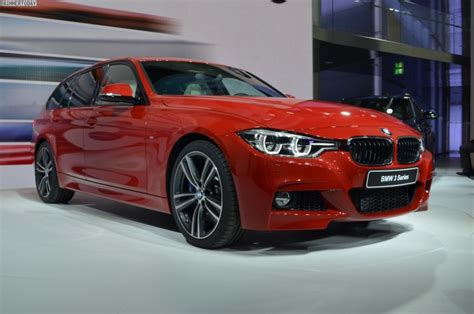 bmw  touring   sport package  melbourne red