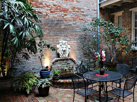 french quarter courtyard  hidden  orleans french quarter courtyard house indoor garden