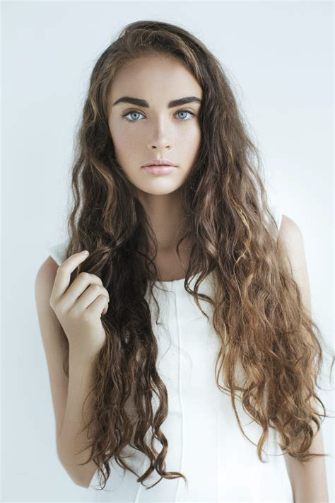 9 Easy curly hairstyles to try now All Things Hair UK