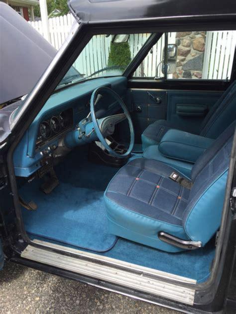 jeep  honcho levis edition factory