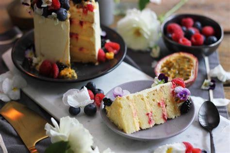 decoration de gateau avec des fruits 3 recettes de g 226 teau aux fruits irr 233 sistibles pour charmer vos invit 233 s