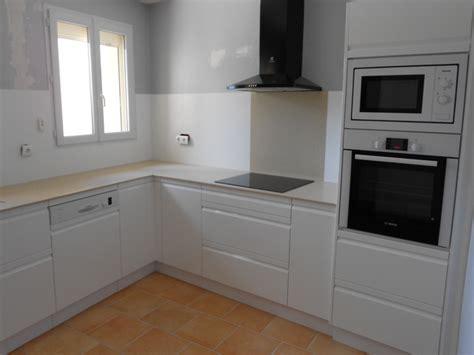 cuisine et blanc photos cuisines modernes laqué blanc plan et crédence