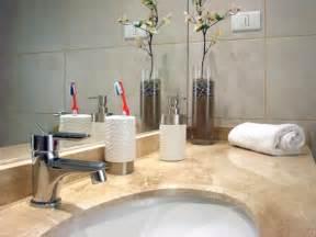 czym usunąć kamień w łazience wybierz naturalne sposoby
