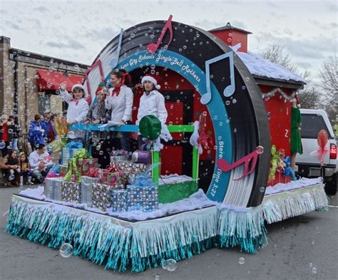 Great Entries In The Annual Christmas Parade In
