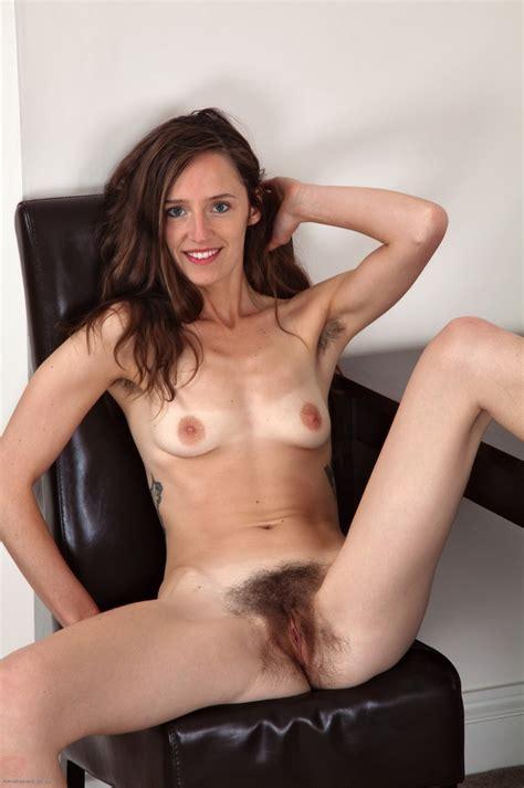 Xpics Me पतला Skinny Hairy Amateur Anya Peeling Off