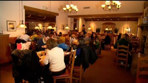 olive garden blossom hill olive garden scaling back on cleaning to cut costs
