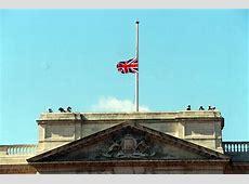 Why didn't Buckingham Palace fly flag half mast for Diana