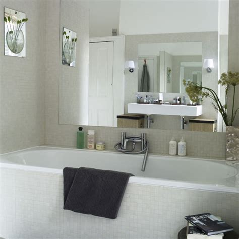 bathroom decorating ideas for small spaces bathroom design ideas for small spaces home garden design