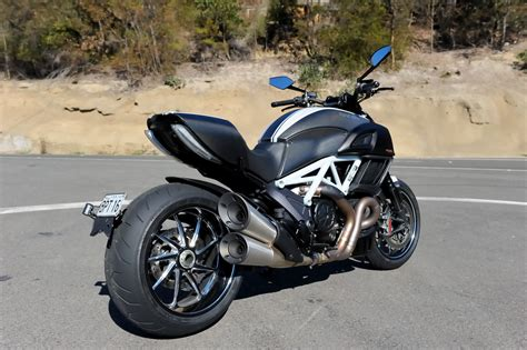 Review Ducati Diavel by Review 2014 Ducati Diavel Carbon Bike Review