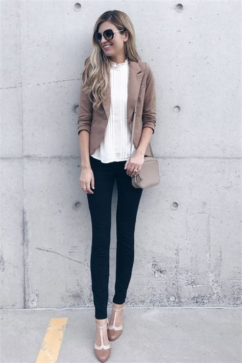 Fall Work Outfit - Blazer and Skinny Pants