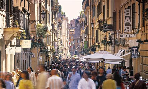 The Italians By John Hooper Review A Country Of