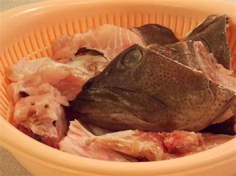 head fish grouper plant prepare finger