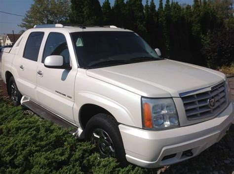 sell used 2003 cadillac escalade sell used 2003 cadillac escalade ext white gray all wheel