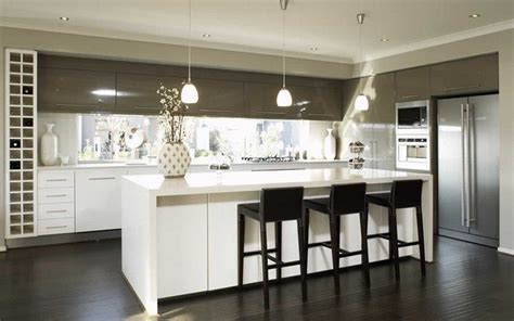 White At The Bottom, Matching Colour On Top Cabinets To