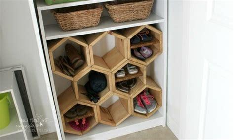 Schuhschrank Design  Ein Häuschen Für Die Schuhe