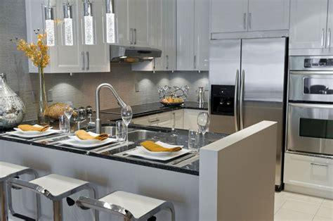 cuisine renovee cuisines manon leblanc poursuit sur sa lancée léger design