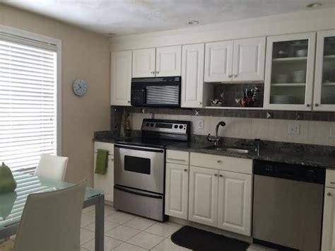 en cuisine cuisine relooker sa cuisine en chene avec gris couleur