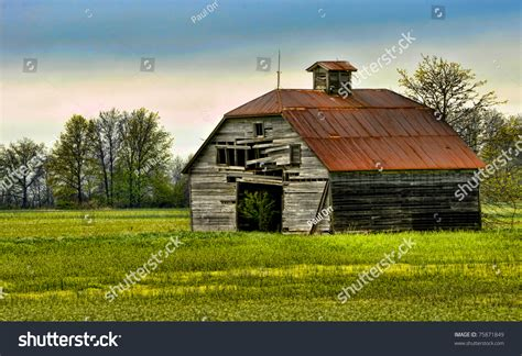Vintage Rustic Old Barn Stock Photo 75871849