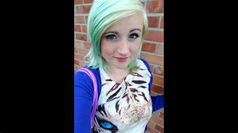 Bleaching Roots Dying My Hair Pastel Green Youtube