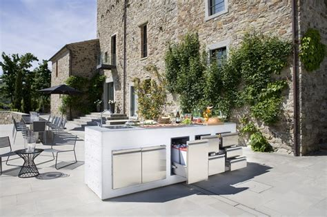 contemporary outdoor kitchens step out to enjoy the modern outdoor kitchens 2541