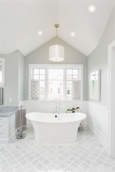 Benjamin Paint Colors For Bathrooms by Best 25 Spa Paint Colors Ideas On Spa